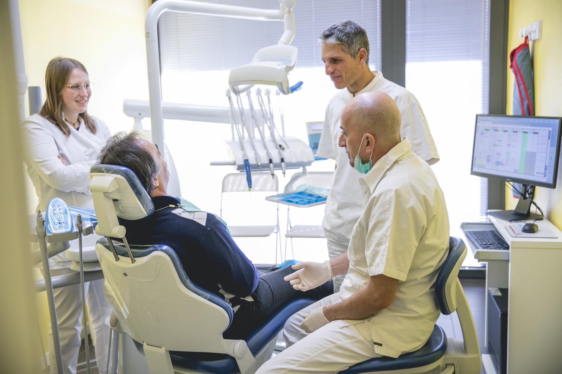 Ortodonzia per l'estetica dentale presso il Centro Odontoiatrico OS, a Forlì